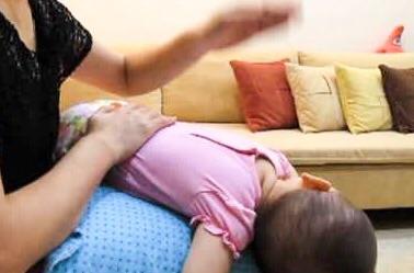 新生兒拍痰